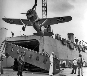 Brewster_F2A_lifted_on_aircraft_ferry_1941-2